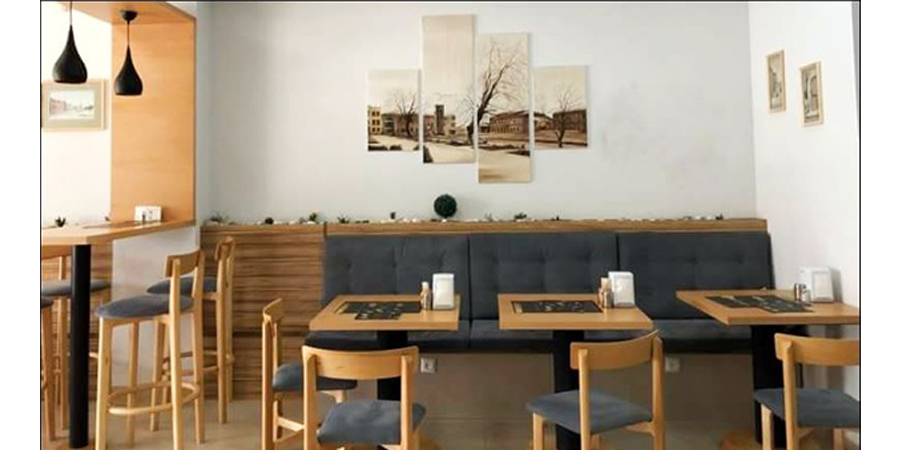 Noon-Lunch-Interior